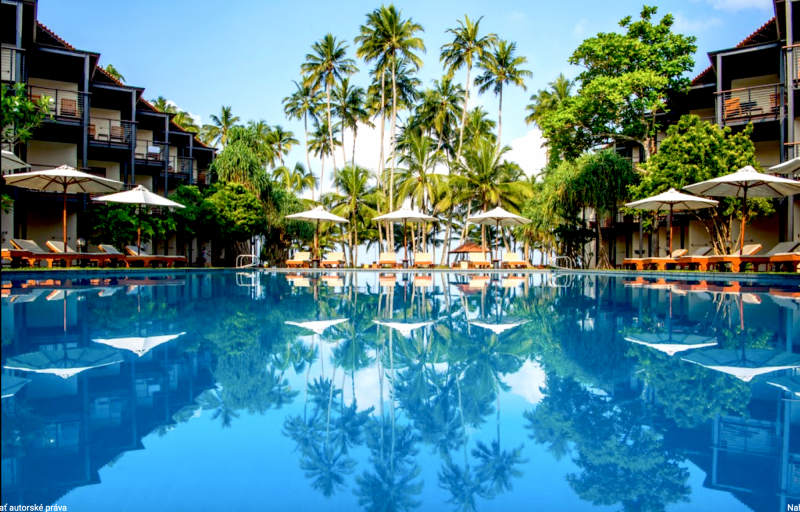 Mermaide hotel and Club