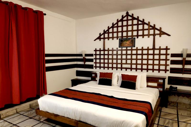 Hotel Ambadi Thekkady