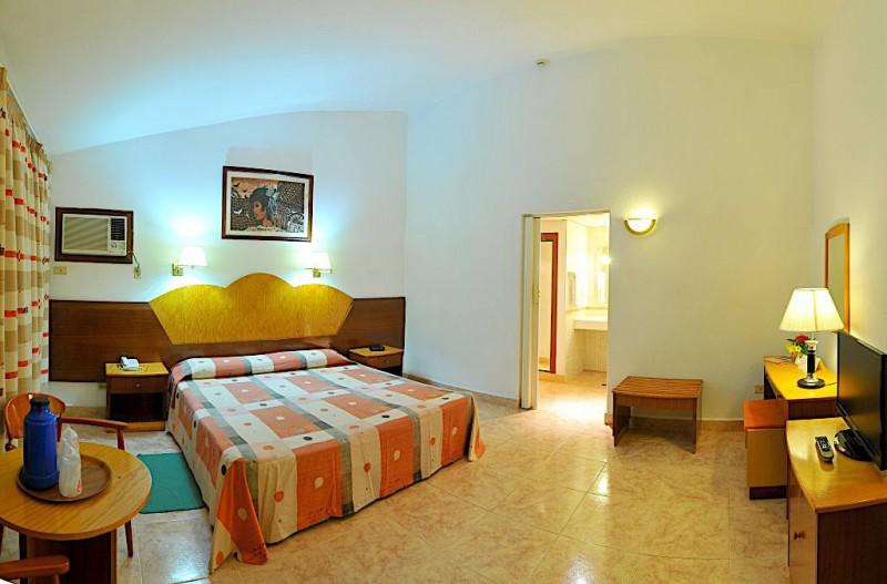 Hotel Versalles (San Juan / Las Americas)