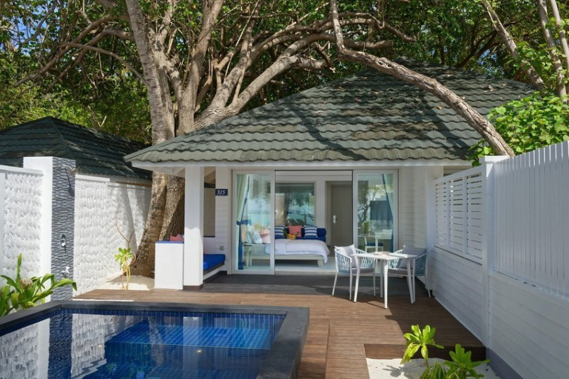 Beach pool villa ( Paradise Island resort) – 7 nocí