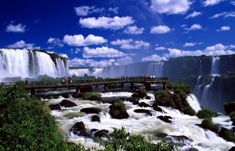 Prohlídka brazilských vodopádů Iguazú