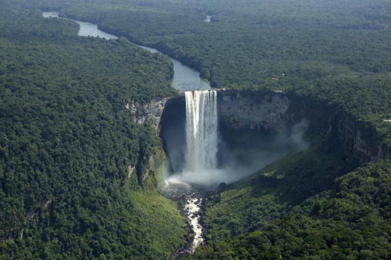 Letecký výlet k vodopádu Kaieteur Georgetown