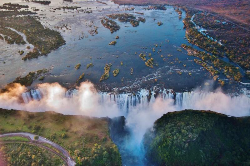 Let Andělů - vrtulníkem přes Viktoriiny vodopády