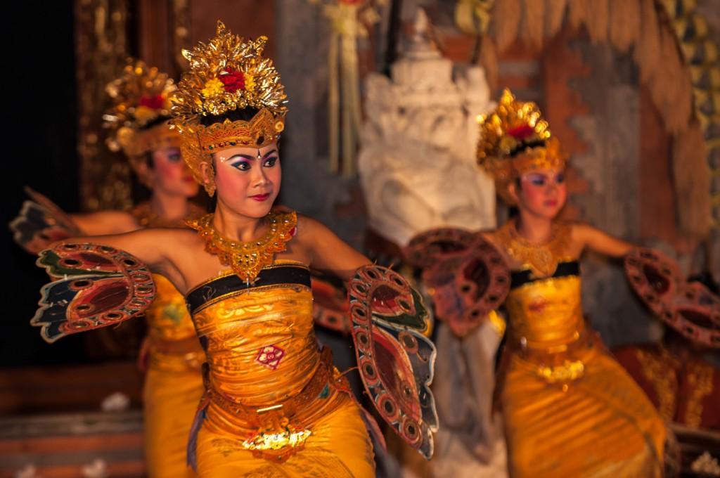 Známý balijský tanec kecak
