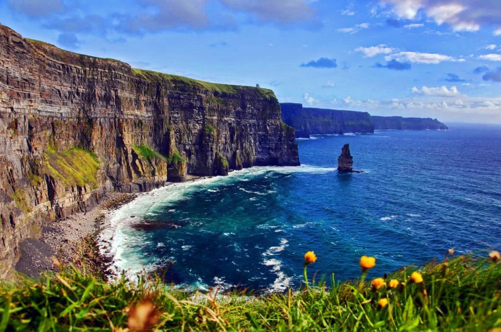 Nekonečý oceán a skály Cliffs of Moher