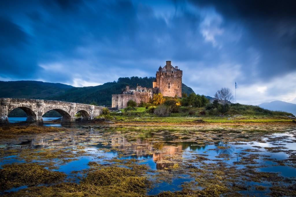 Známý skotský hrad Eilean Donan