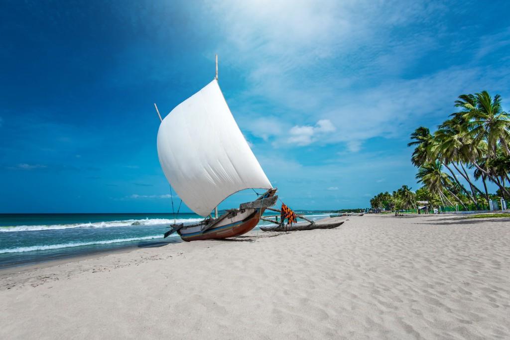 Azurové moře vs bělostné pláže Asie