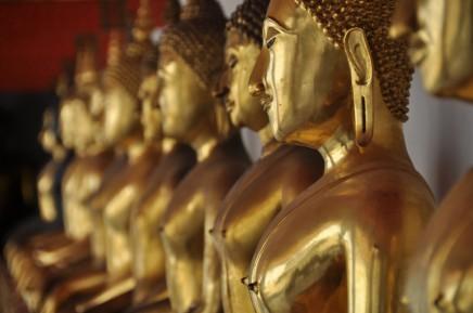 Chrámy plné zlatých Budhů