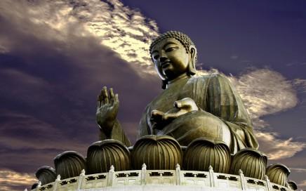 Velký Budha je symbolem jiného Hongkongu, ale zároveň je nejnavštěvovanějším místem
