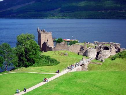jezero Loch Ness ve Skotsku