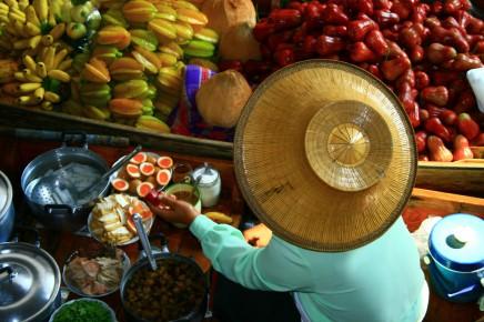 plovoucí trhy v Thajsku