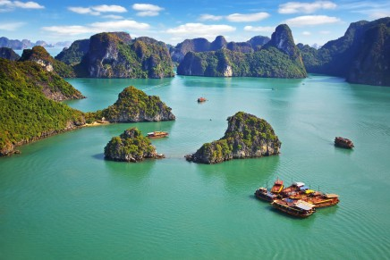 zátoka Halong Bay ve Vietnamu