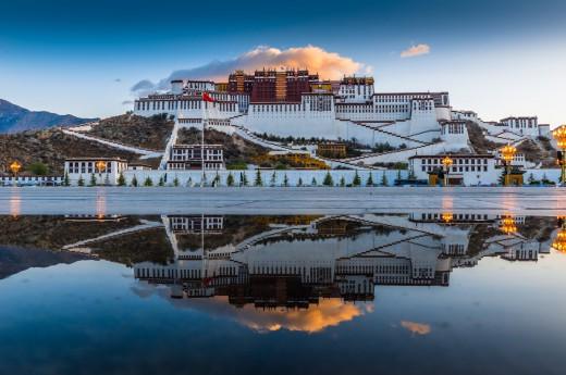 palác Potala v Tibetu